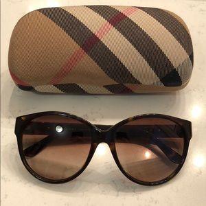 Burberry Sunglasses 4088